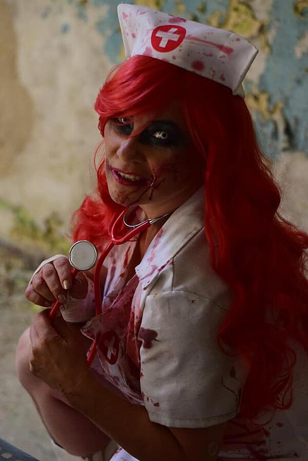 bloody-nurse-halloween-costume
