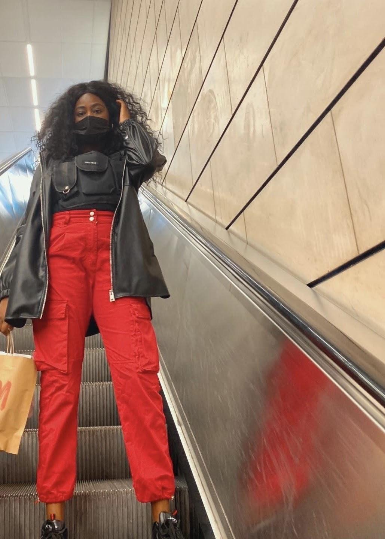 pantalon-cargo-rouge
