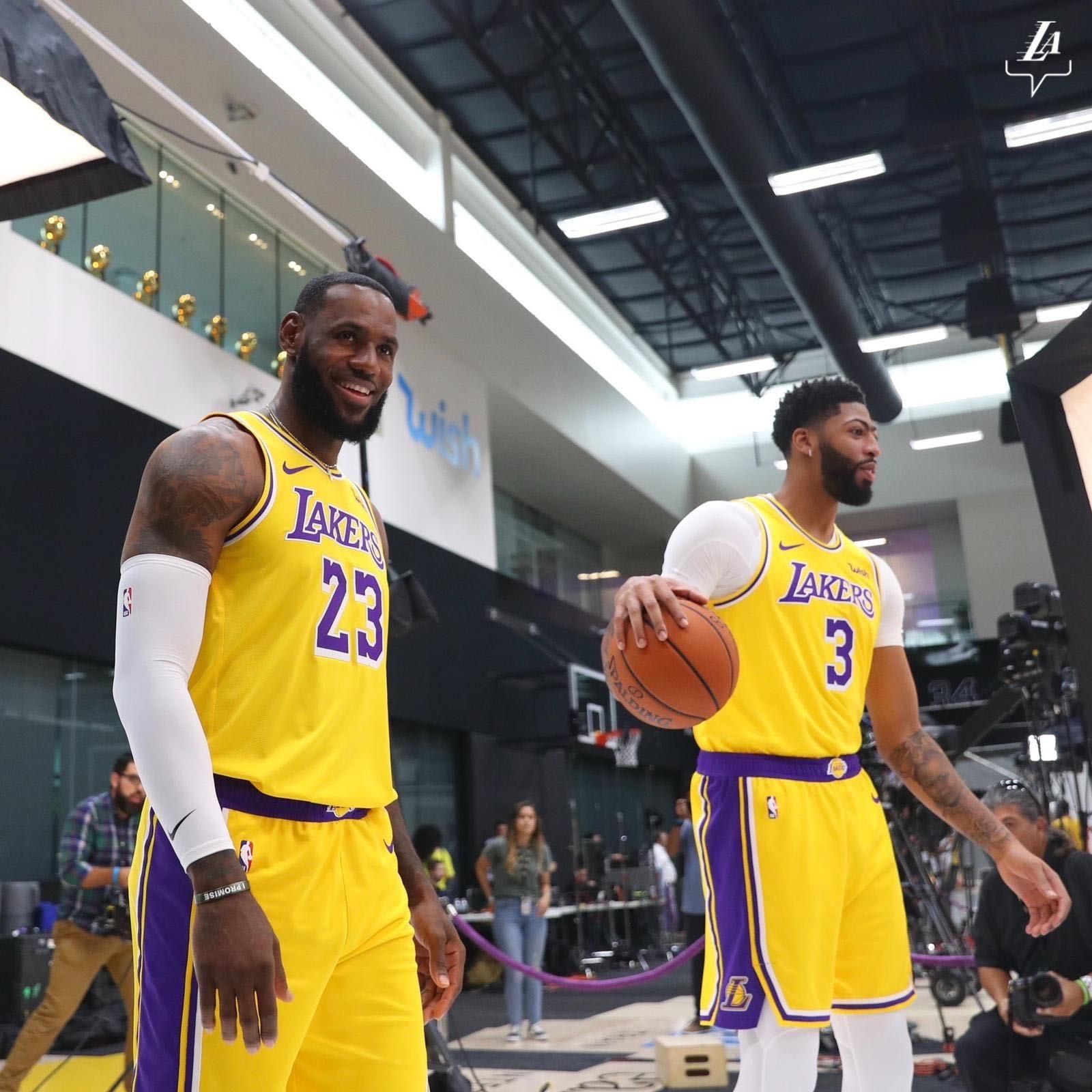 Lakers Basketball players, Lakers game, Lebron James, Anthony Davis
