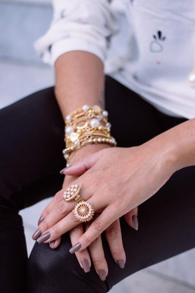 jewelry-rings-bracelets-gold-gem