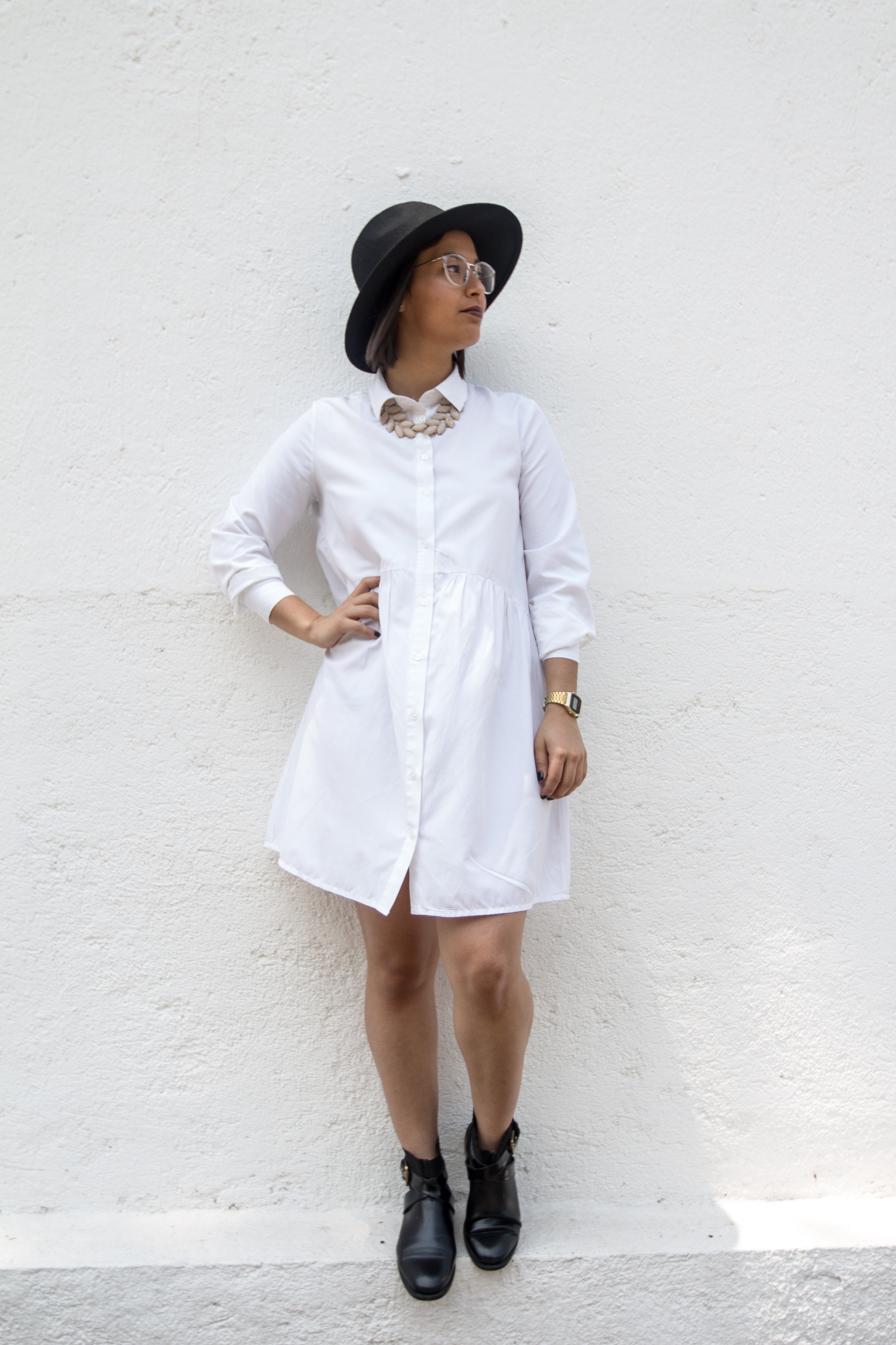 girl in white dress and hat